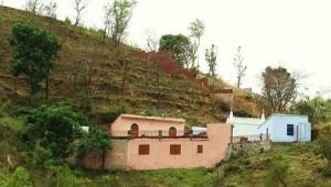 Guga-Marhi temple, Mandhna